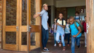 les enseignants qui partent juste après les élèves